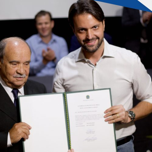 Prefeito de Sete Lagoas e Ministro das Cidades asisnam convênio para obra de saneamento